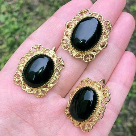 комплект кольцо серьги камней