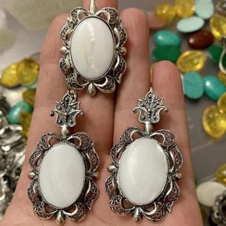 Кольцо из серебра с натуральными камнями