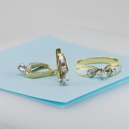 комплект с бриллиантами из золота