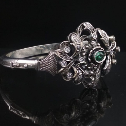 серебряно зеленый цвет