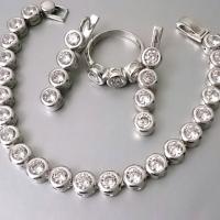 Серебряные украшения с фианитами