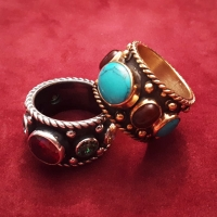 Серебряное кольцо с гранатом и бирюзой