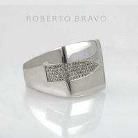 Кольцо   Roberto Bravo белое  золото 750