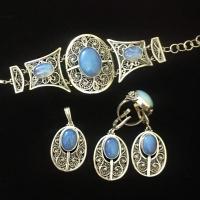 Комплект из серебра с голубым камнем