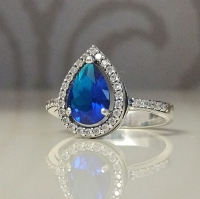 Серебряное кольцо Капля