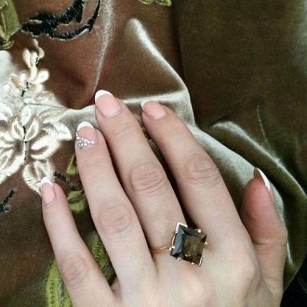 Кольцо из золота с раухтопазом в форме ромба
