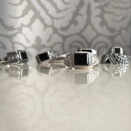 серебряное кольцо +с черным камнем мужское