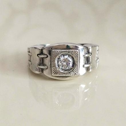 кольцо мужской серебро +с черным камнем