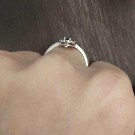 изумруд камень кольцо