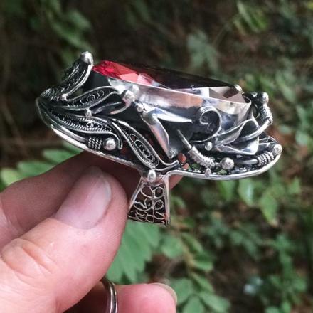 серебряные кольца +с крупными камнями