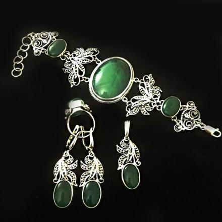 серебро +с зеленым камнем