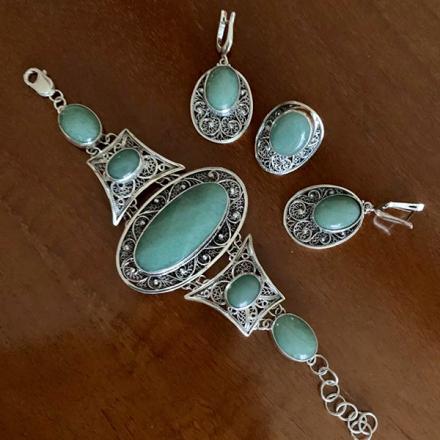 серебряные комплекты +с натуральными камнями
