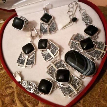 серебряные серьги +с черным агатом
