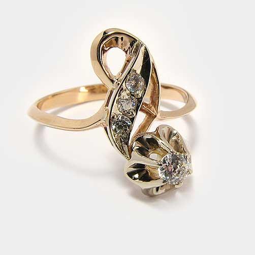 устройства кольцо с бриллиантами тюльпан фото форме