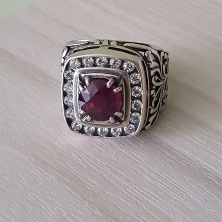 перстень +с красным камнем