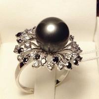 Бриллиантовое кольцо  с черным жемчугом