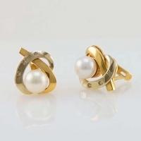 Cерьги из золота с    бриллиантами и жемчугом