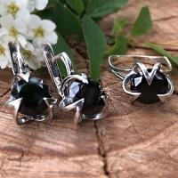 Серьги  с черным камнем