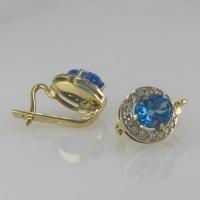 Золотые серьги с бриллиантами и голубым топазом