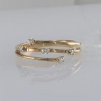 Кольцо золотое с 5 мелкими бриллиантами