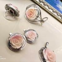Комплект  с розами