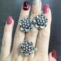 Золотое кольцо 585 с  тсаворитом и сапфирами