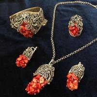 Комплект из серебра с кораллом