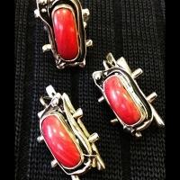 Серебряные серьги+кольцо+браслет+подвеска  с кораллом