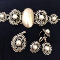 Комплект из серебра с парламутром и жемчугом
