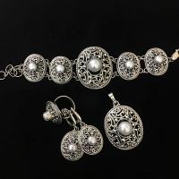 Комплект из серебра с жемчугом