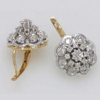 Cерьги из золота с  крупными  бриллиантами