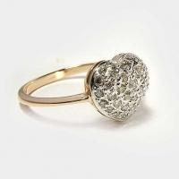 """Кольцо из золота """"Сердечко"""" с россыпью бриллиантов"""