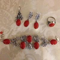 Комплект из серебра с красным камнем