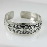 Кубачинский браслет из серебра 875