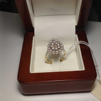 Кольцо с бриллиантами в форме капли