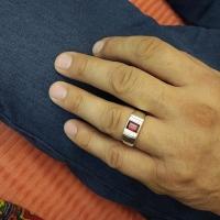 мужское кольцо +с гранатом серебро