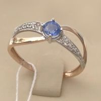 Легкое кольцо с сапфиром и бриллиантами