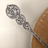 Серебряная чайная ложка