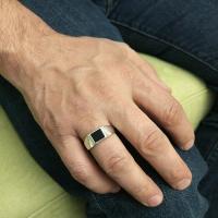 мужской серебряный перстень с камнем фото