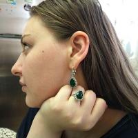 Серьги +кольцо с зелеными камнями